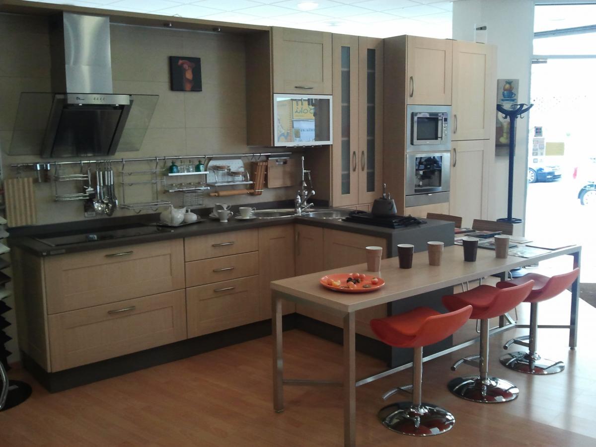 Mobiliario De Cocina En Madera Maciza Mod Roma Concepto Siete ~ Precio Electrodomesticos Cocina Completa