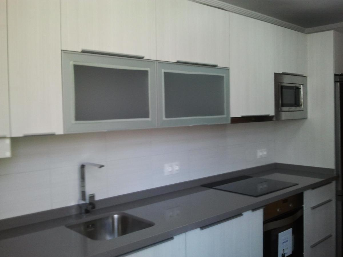 Cocina en ramal de sorolla concepto siete for Muebles de cocina con encimera